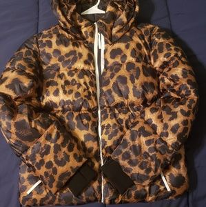 Leopard puffer coat